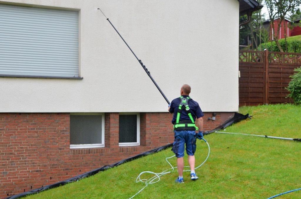 Fassadenreinigung Hauswand Auftragen Fassadenschutz - Fassadenclean